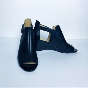 Adrienne Vittadini Wedge Heels (size 10)